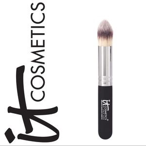 NWT ~ It Cosmetics Heavenly Luxe Brush No. 11